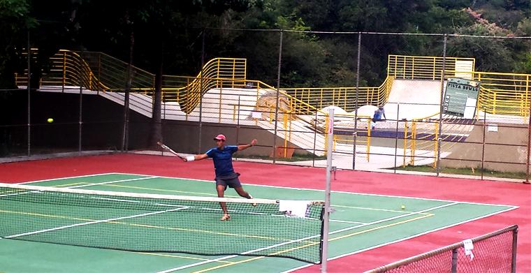 Pr%C3%A1tica de t%C3%AAnis nod parques 2 - Tênis de graça | Você pode jogar em BH. Aproveite!