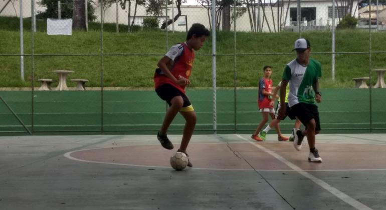 9e41a049cb800 Esporte Esperança tem vagas em aulas de futsal e oficina de esportes